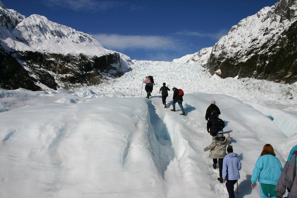 氷河ハイキング