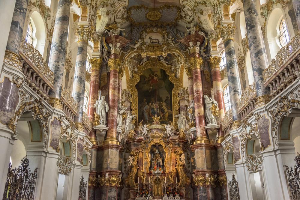壮麗なロココ様式のヴィース教会