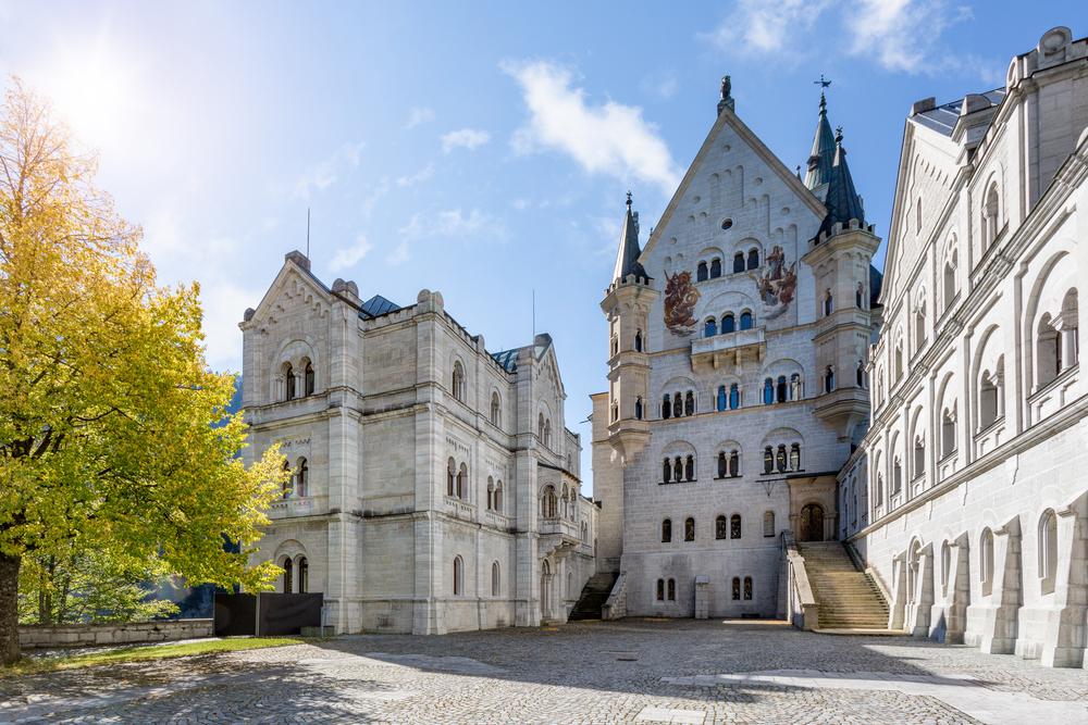 ノイシュバンシュタイン城の中庭