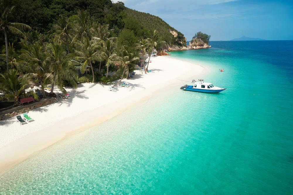 ラワ島の美しいビーチ