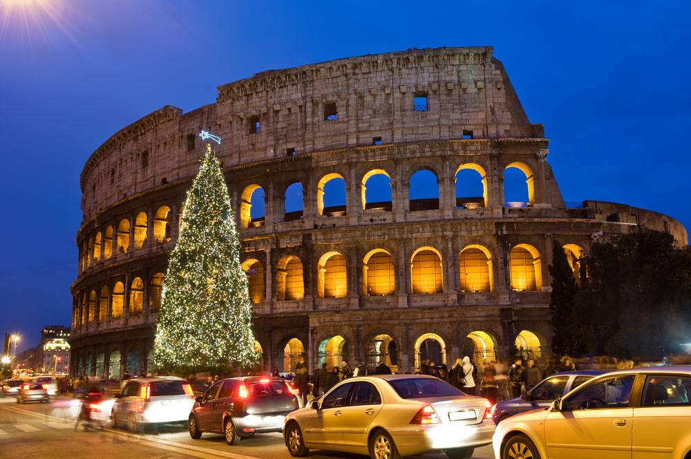 コロッセオにもクリスマスツリーが