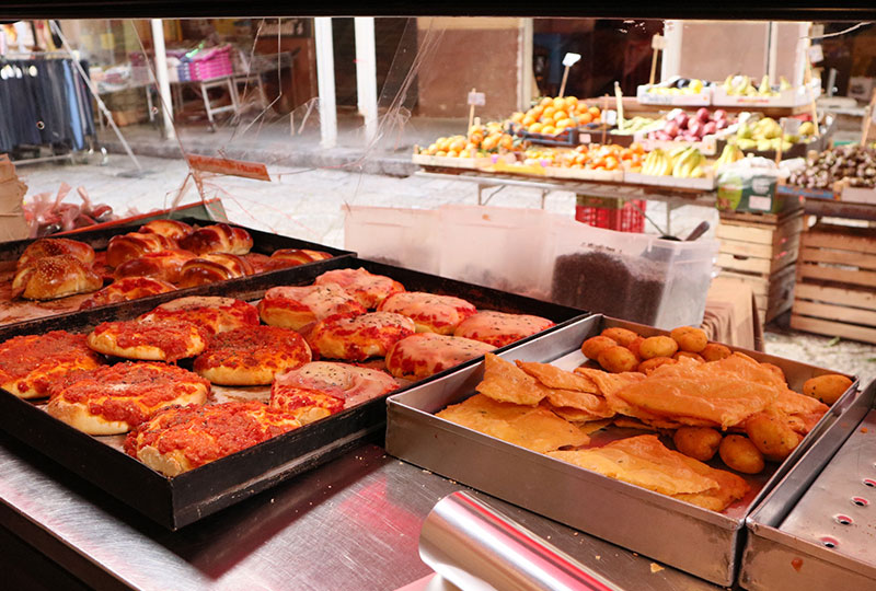 揚げ物屋兼惣菜屋の「フリッジトリア・ガストロノミア・ダ・アリアンナ(Friggitoria Gastronomia da Arianna)」