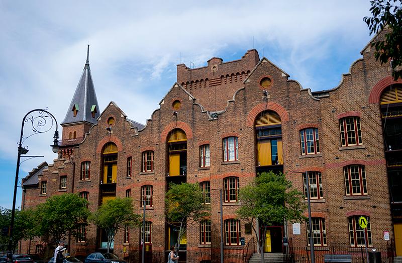 19世紀頃の建物が残るロックス地区