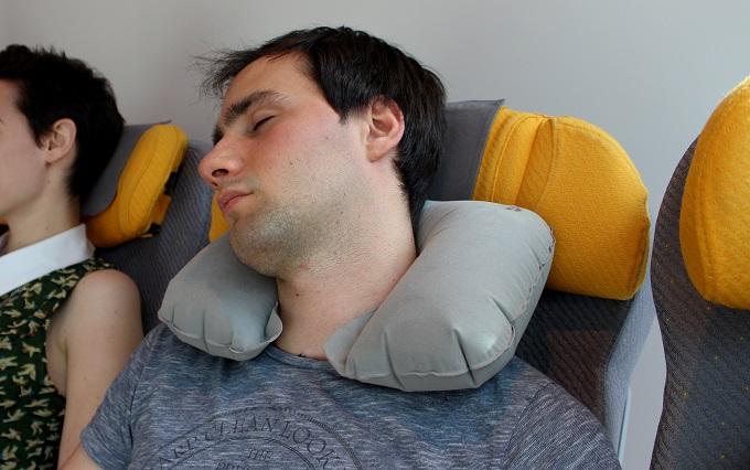 Travel Log:トラベル・ログのエアー枕