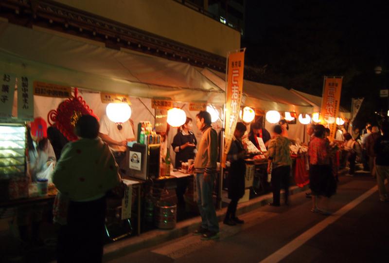 御供所地区の食べ物屋さんが承天寺通り特設会場に集結しています