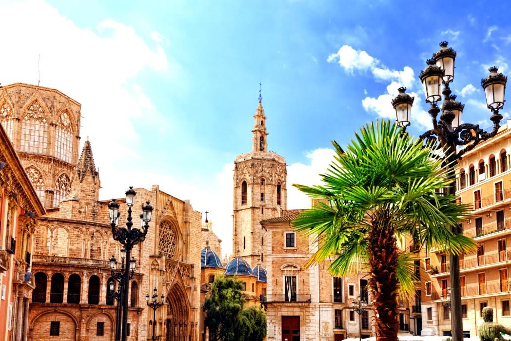 ブニョルへのアクセス拠点となるスペイン第3の都市バレンシア