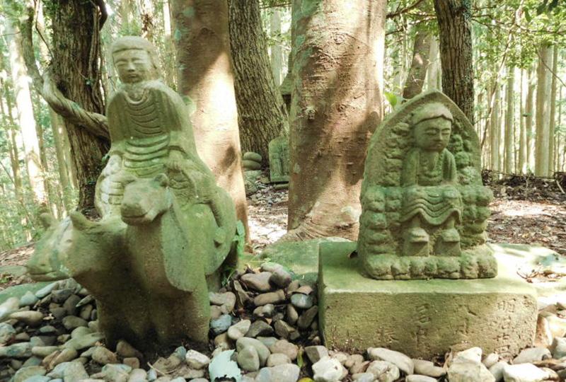 中辺路のシンボル的な存在の牛馬童子(ぎゅうばどうじ)像
