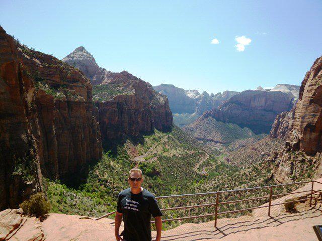 「キャニオン・オーバールック(Canyon Overlook)」ハイキングコース